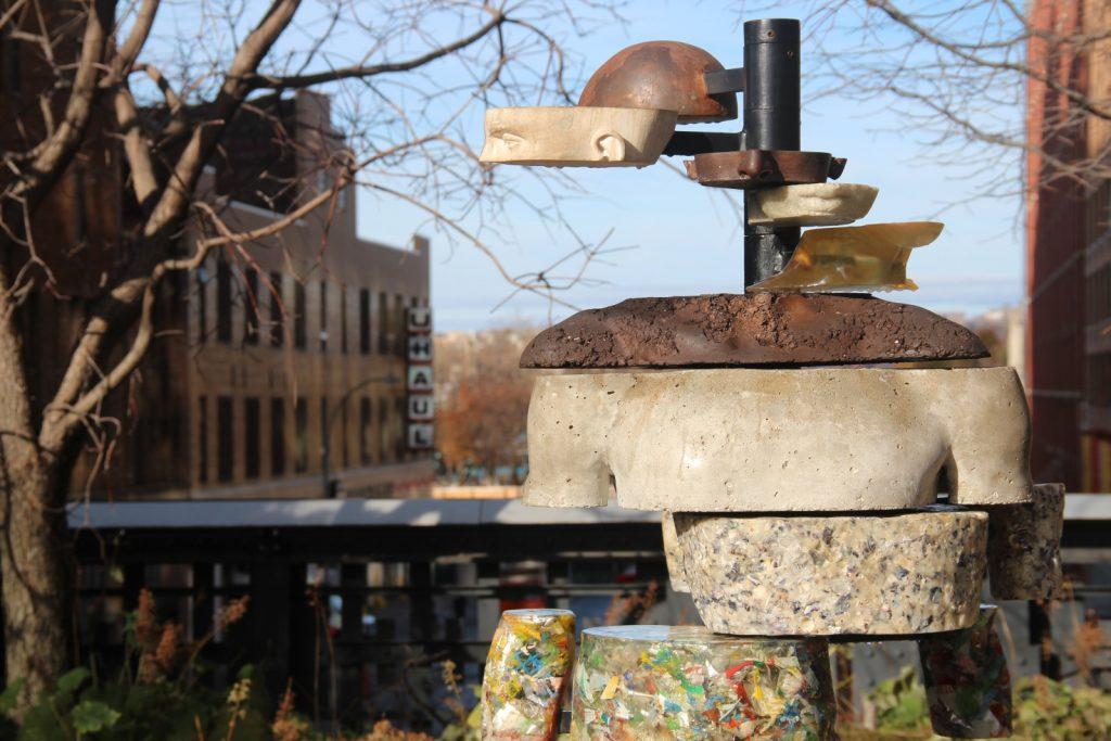 visitare la high line a new york, dettaglio di una scultura