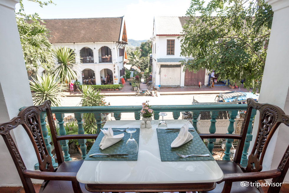 dove dormire a luang prabang, villa santi hotel terrazzo