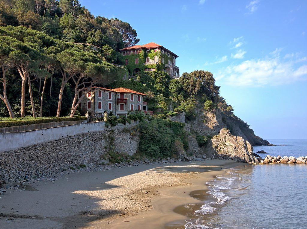 Levanto, cinque terre e portovenere in battello. Villa Agnelli
