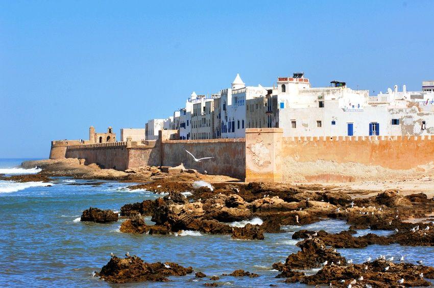 essaouira, scorcio sul mare della città portuale di essaouira - 10 giorni in marocco, tour di 10 giorni
