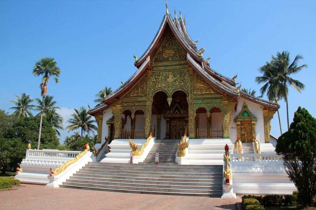 cosa fare a luang prabang: visitare il tempio del palazzo reale