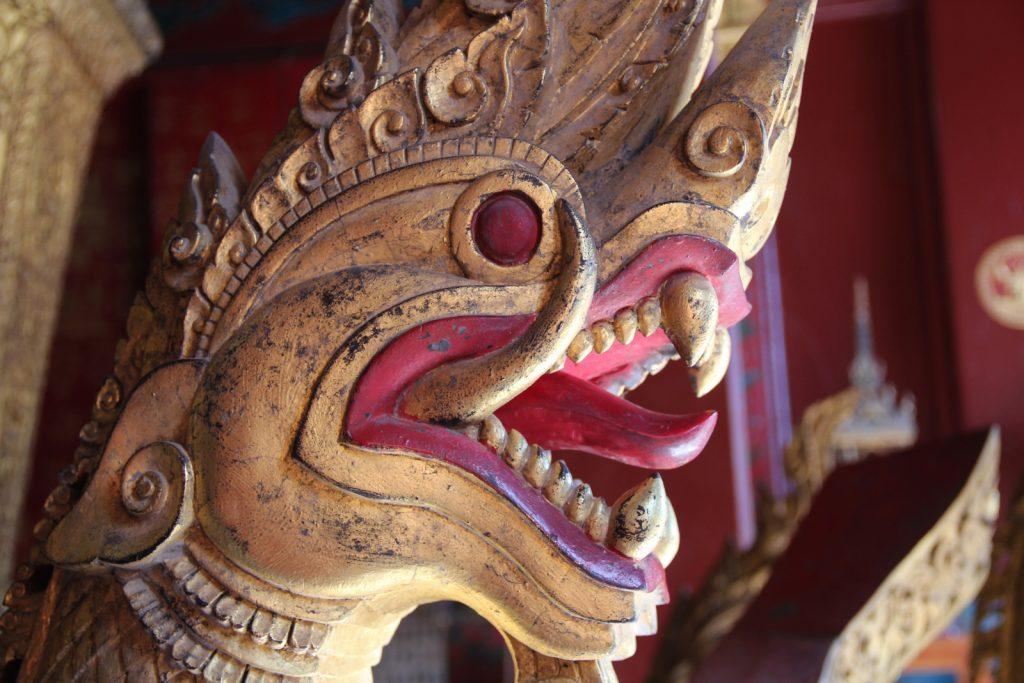 visitare luang prabang - dettaglio del wat xieng thong