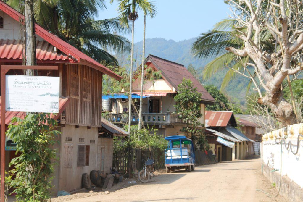 il villaggio di pak ou