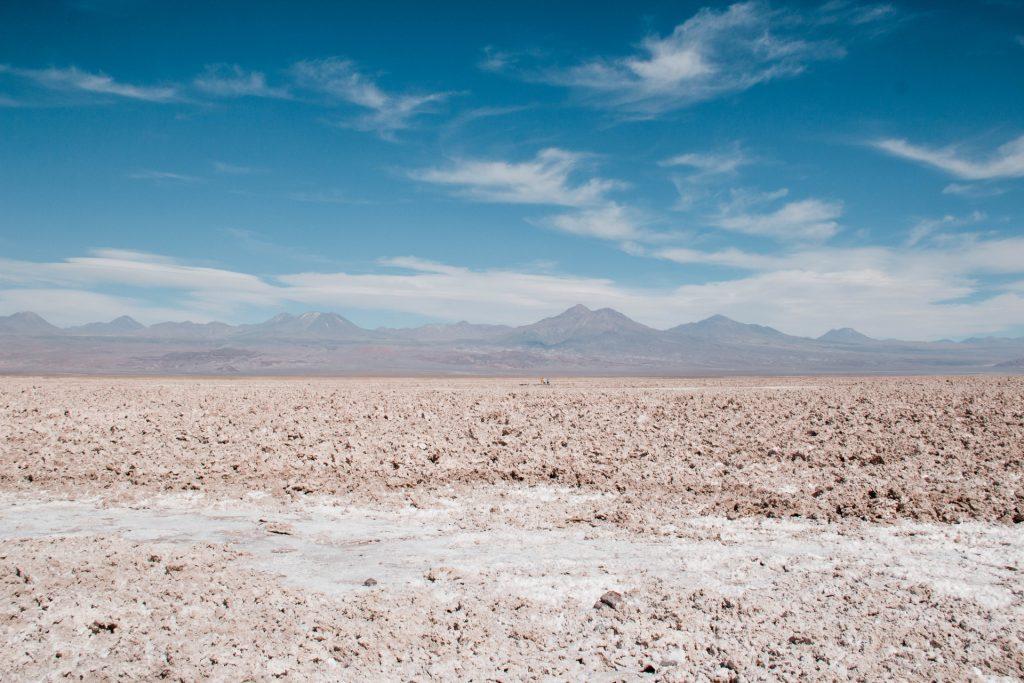 Salar de Atacama - laguna chaxa - suolo salato. Free soul on the road, elisabetta frega travel blogger italiana