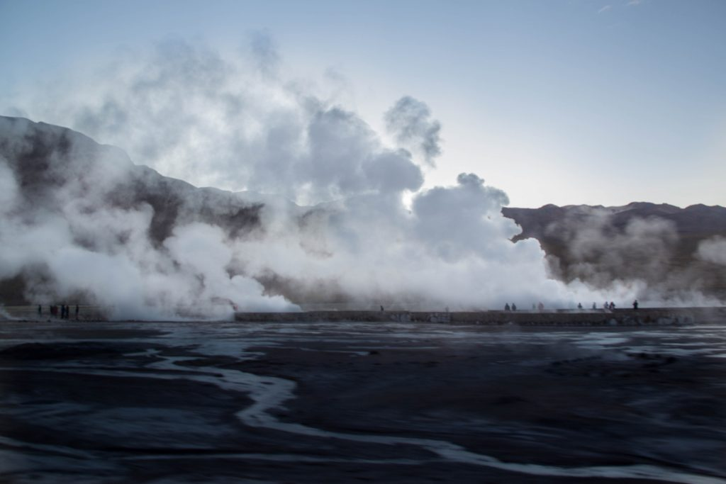 geyser di el tatio prima dell'alba