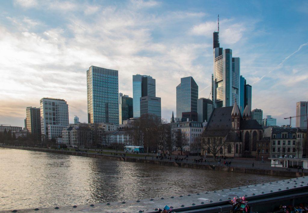 Francoforte skyline - una giornata a Francoforte