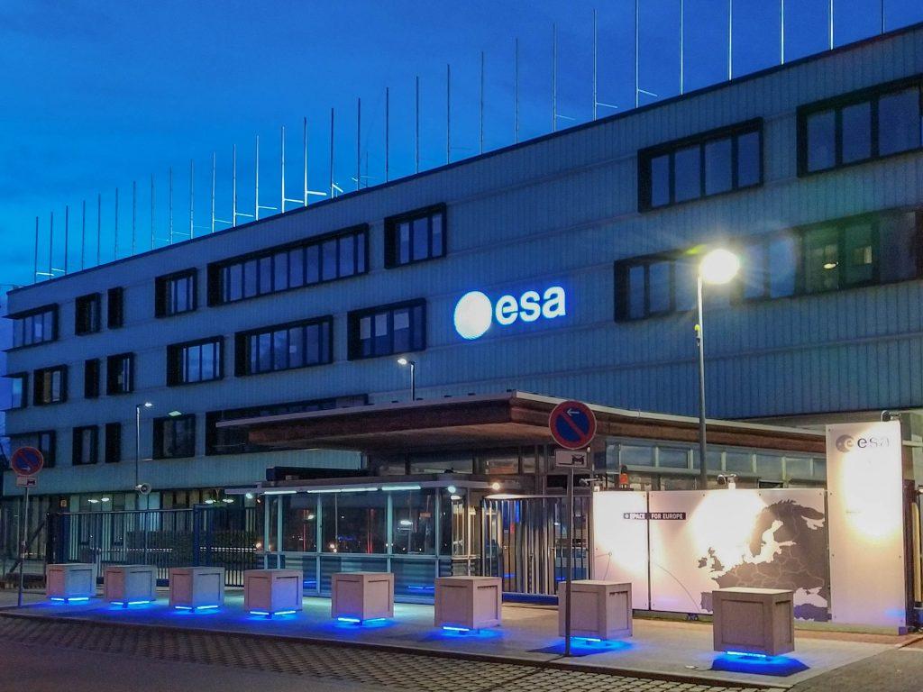 Una giornata all'ESA - ingresso dell'ESA di Darmstadt in Germania