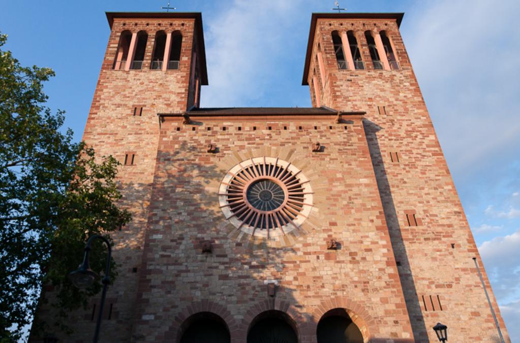 Chiesa di St. Georg a Bensheim, visitare heppenheim e bensheim da francoforte in un giorno