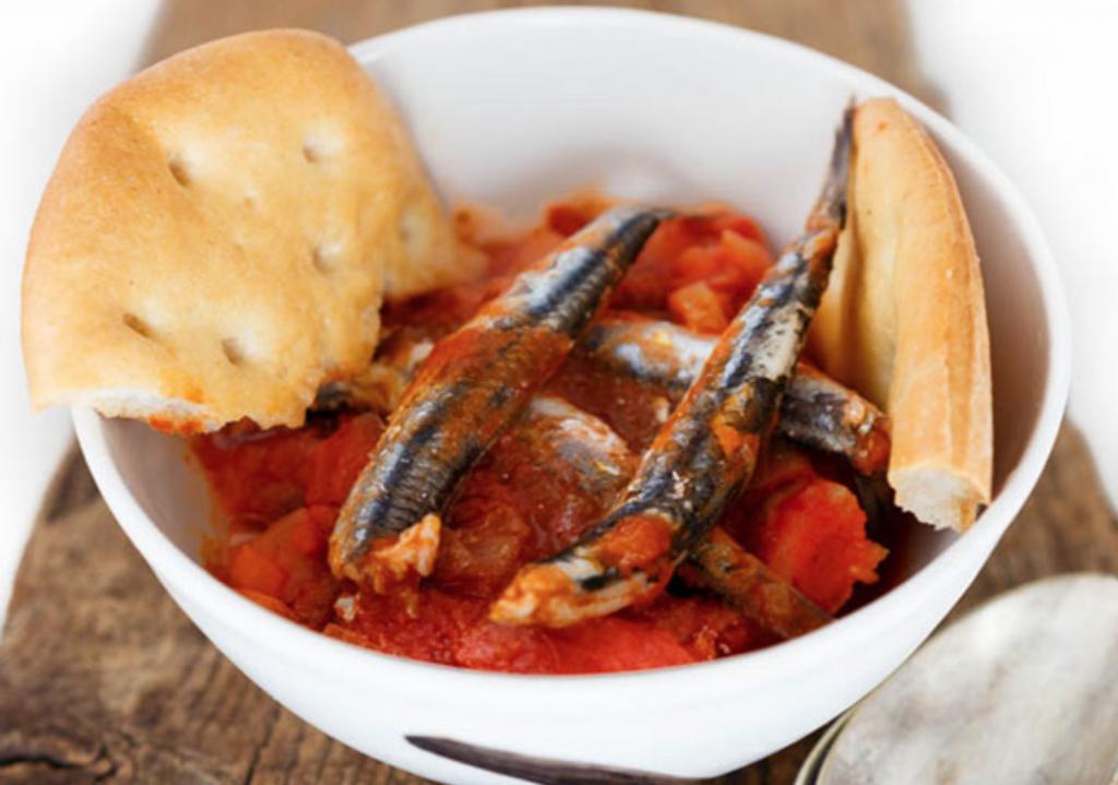 Bagnun di acciughe - cosa mangiare in Liguria